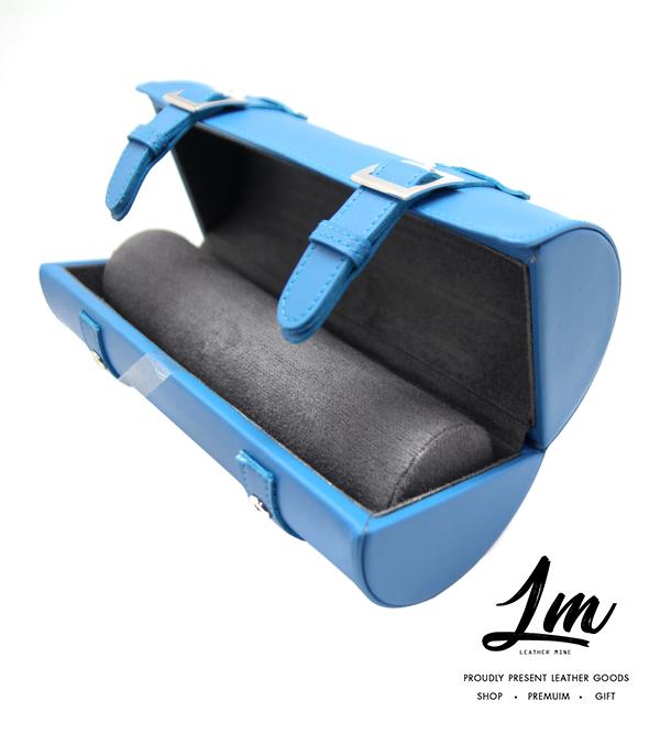 กระเป๋าหนังเก็บนาฬิกา - Light Blue