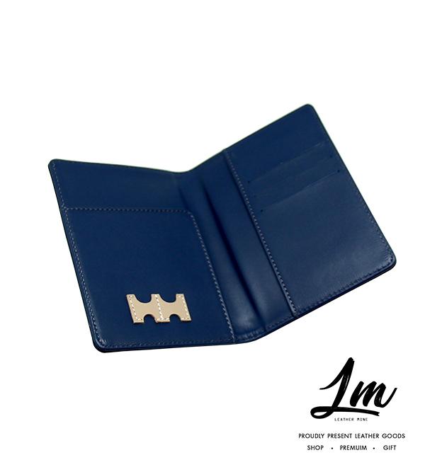 ชุดของขวัญ - ปกหนังสือเดินทาง & ป้ายแขวนกระเป๋าเดินทาง สีน้ำเงิน