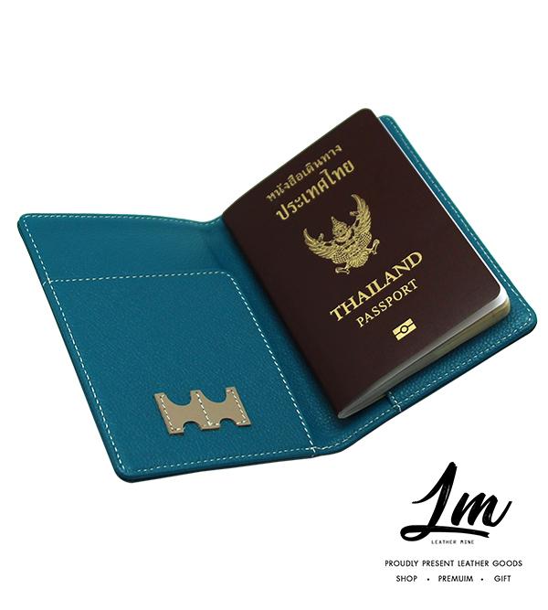 ชุดของขวัญ - ปกหนังสือเดินทาง & ป้ายแขวนกระเป๋าเดินทาง สีฟ้า